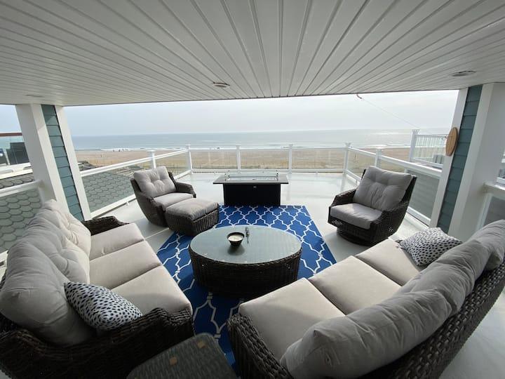 New Luxury OCEAN FRONT Beach House!