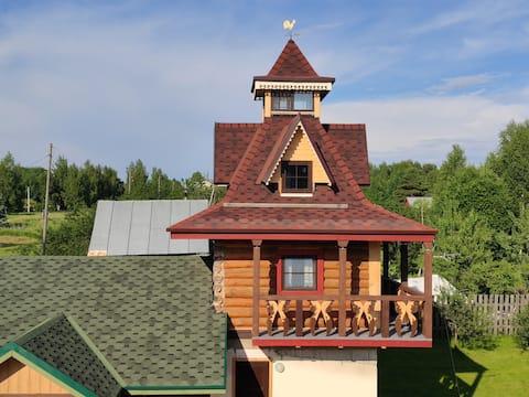 Дом - башня.