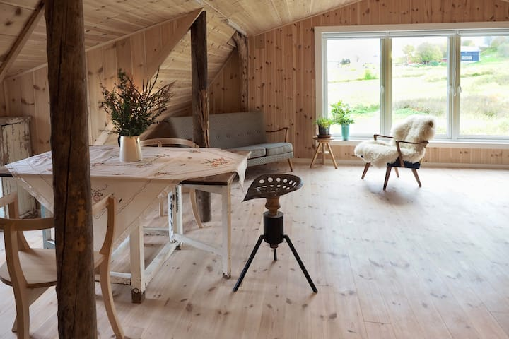 Restored Barn Apartment on Engeløya