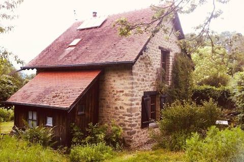 Jolie habitation dans ancienne bergerie
