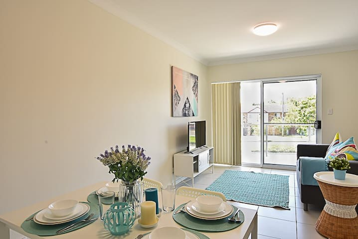 Three bedrooms apartment 1 - Springwood - Apartment