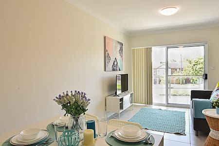 Brand new three bedrooms apartment - Springwood - Apartment