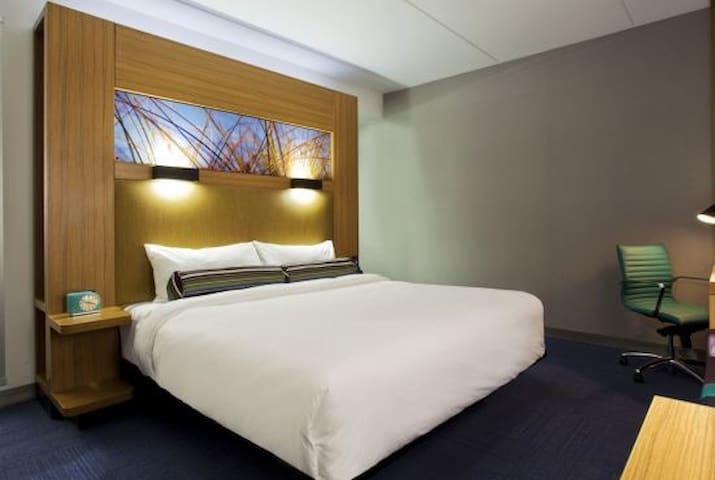 Jacksonville Aloft Hotel room - Jacksonville - Loft