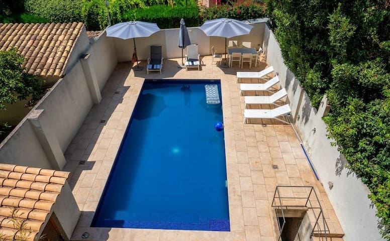 Stunning 3 bed loft apt. + Pool . Centre Soller.