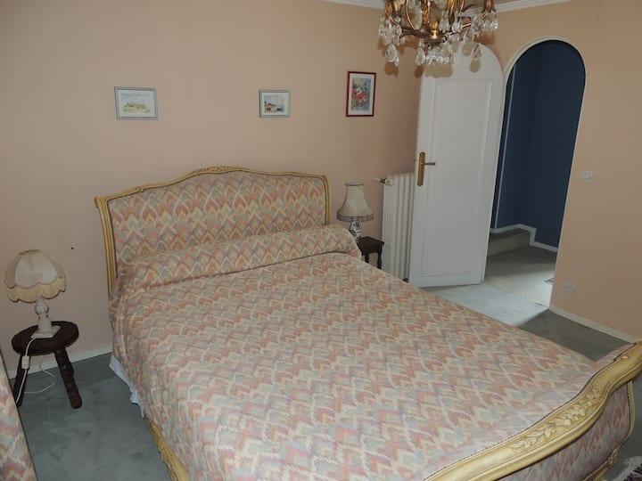 Chambre au cœur du vieux Clamecy