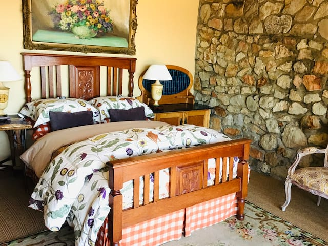 Traume Suite- Bedroom