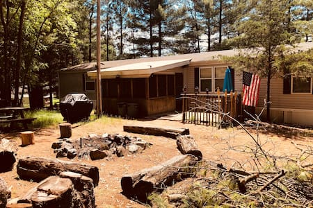 *NEW*Remodeled 3 bed and 2 bath!30min from Dells.
