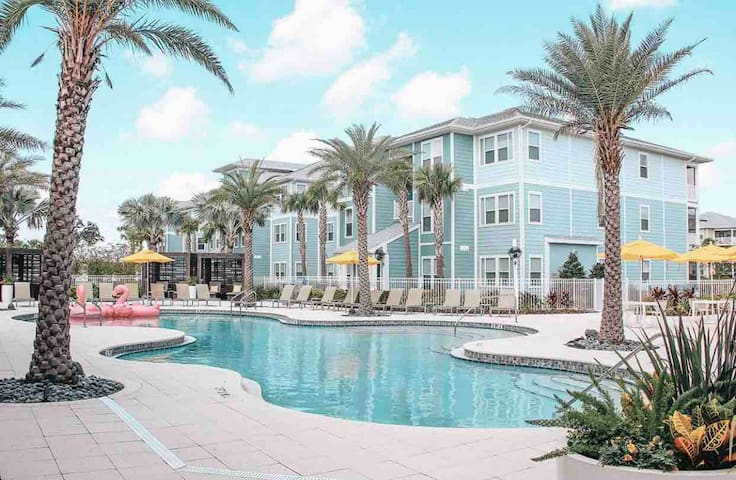 BEAUTIFUL ROOM IN KISSIMMEE 5 MIN AWAY FROM DISNEY