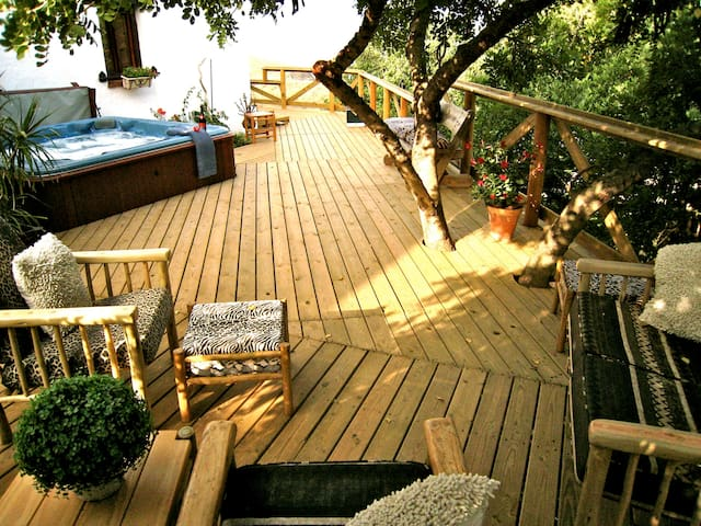 A Touch of Africa, priceless secret haven for two - Canillas de Aceituno - Hus