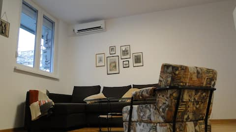 OldNewBelgrade Apartment