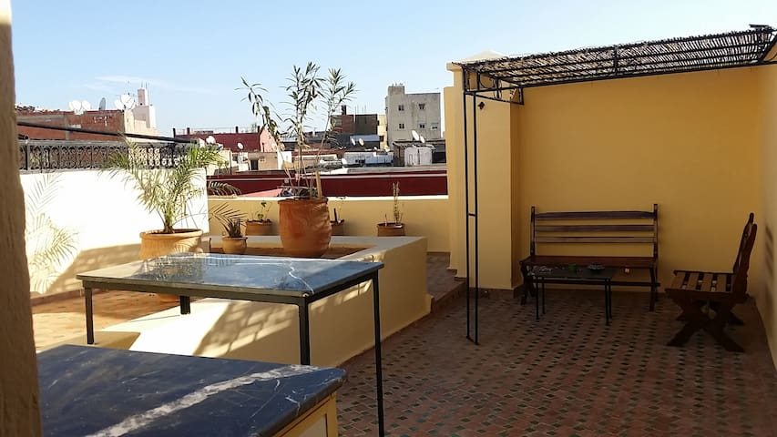 Lovely house in a quiet cul de sac. Terrace room. - Meknes - Huis