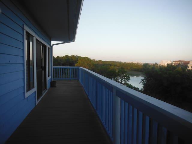 Walk to the beach! 2 bedrooms and a loft. - Santa Rosa Beach - Condominio