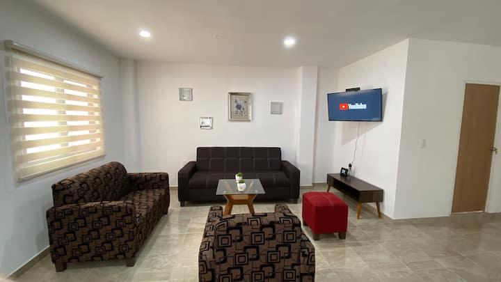 Moderno apartamento nuevo A/C, Netflix, Alameda.