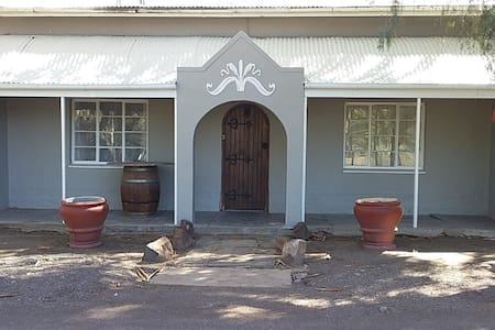 Loxton Lodge & Restaurant plus Jagters Hutte