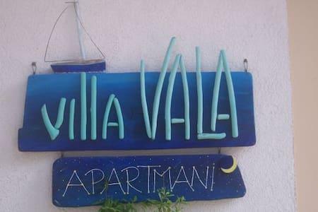 Villa Vala (Apt 3) – where guests are family - Mali Lošinj - Daire