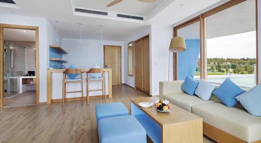 5 starts FLC Luxury Hotel Beach Front
