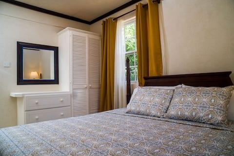 2 bedroom apartment in Warrens Terrace East.