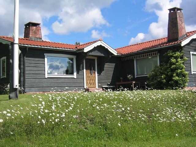 Timmerhus med vacker utsikt - Rättvik V