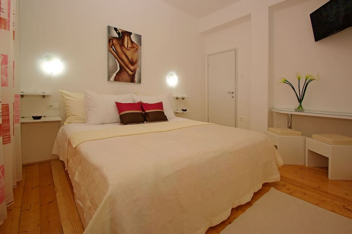 Double bed room - Vela Luka - Bed & Breakfast