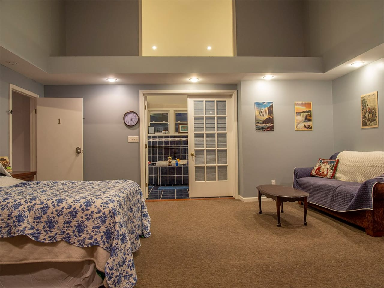 Queen bed/sofabed/view to spa bathroom with steamroom shower & Jacuzzi tub