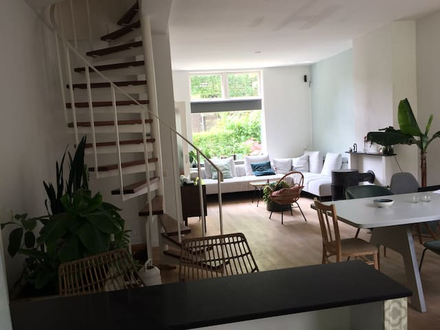 Sfeervol zonnig huis Bottendaal/centrum Nijmegen