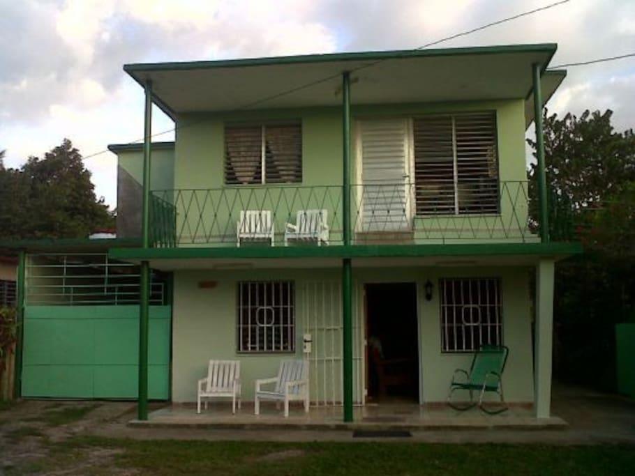 Villa juanita room 1 las terrazas guesthouse for rent for Casas para terrazas