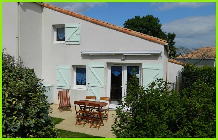 Maison dans résidence privée avec piscine - Saint-Vincent-sur-Jard - Casa