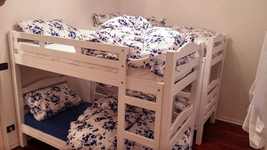 Due letti a castello - Two bunk beds