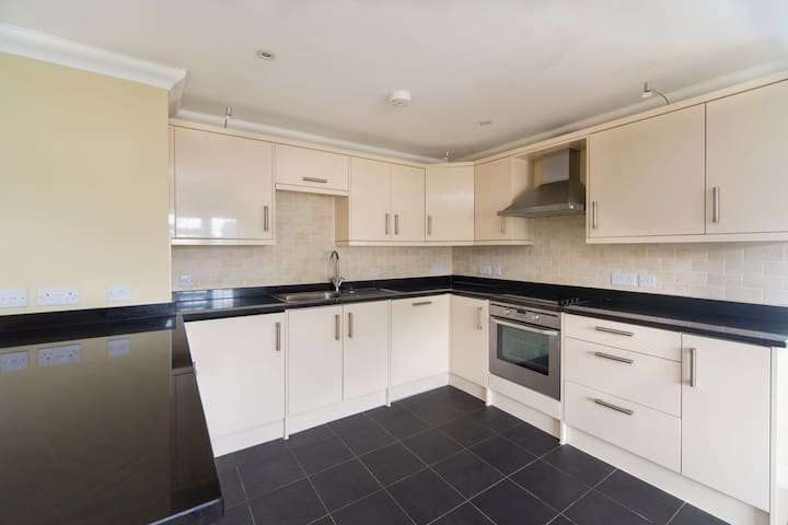 Modern apartment easy access to London - Warlingham - Apartemen