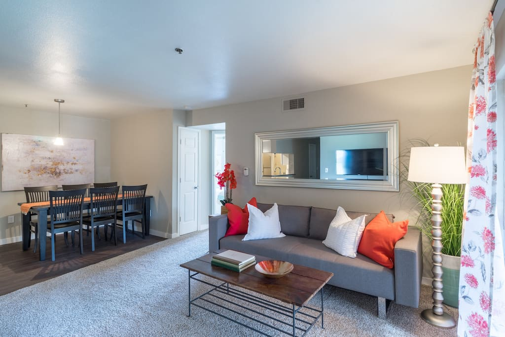 Shabby Chic 3 Bedroom Riverside Getaway Pool Gym Apartments For Rent In Austin Texas