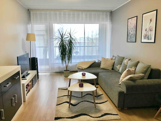 Cosy home with balcony next to city centre