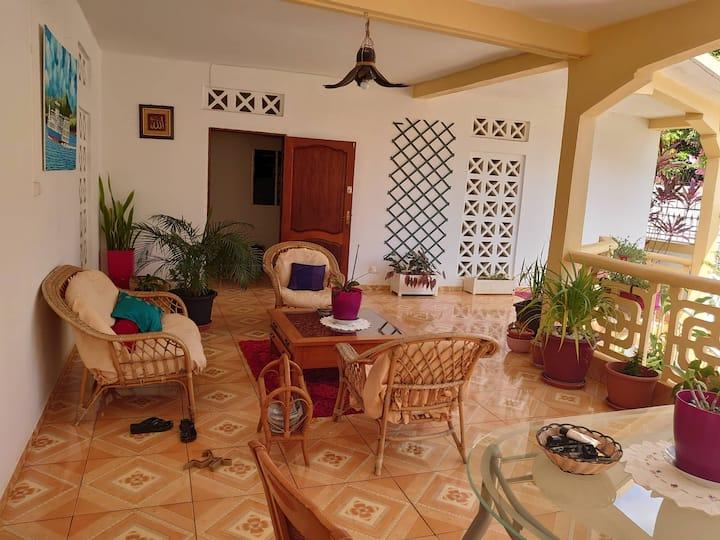 Belle Chambre aux Manguiers (Centre Mamoudzou)