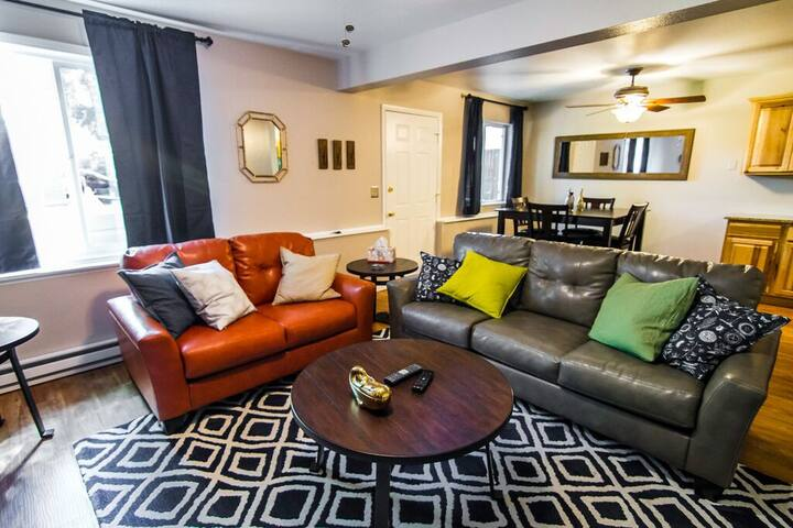 $119/ Night Speacial - Beautiful Old Town Flat - Fort Collins - Apartamento