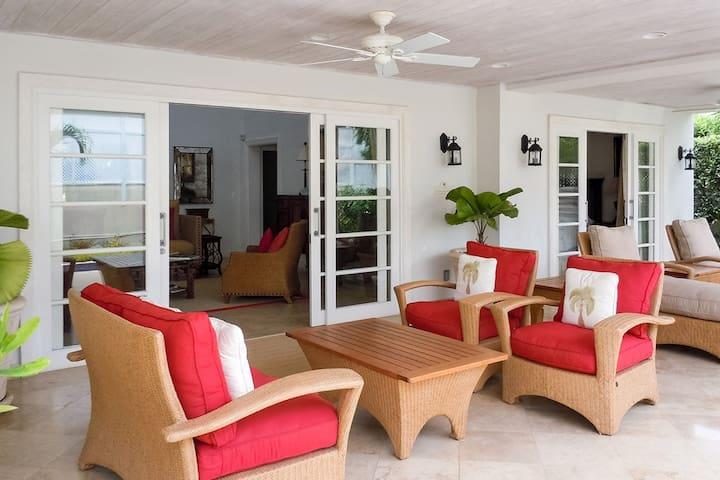 Coral Breeze 3 bedroom at Mullins Bay