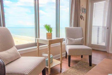 Beautiful Ocean View 2 bedroom, by a Superhost!!!