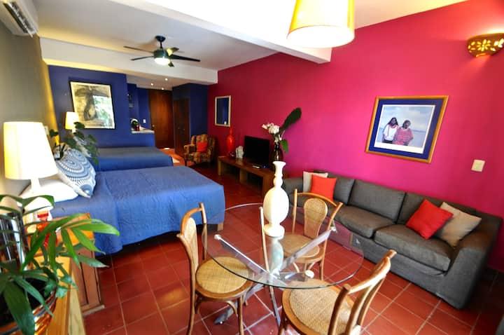 SUITE @Boutique Hotel-Romantic ZONE-Muertos Beach