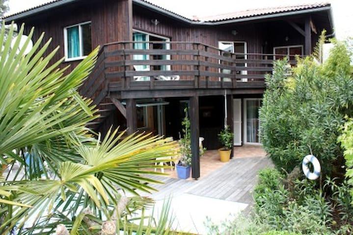 Maison en bois de 120 m² à 50m de la plage