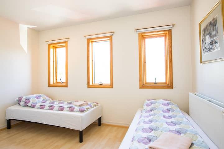 Nice room close to center - Sólvellir - 201
