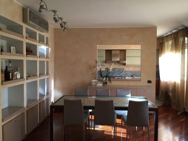 Monza San Giuseppe Flat