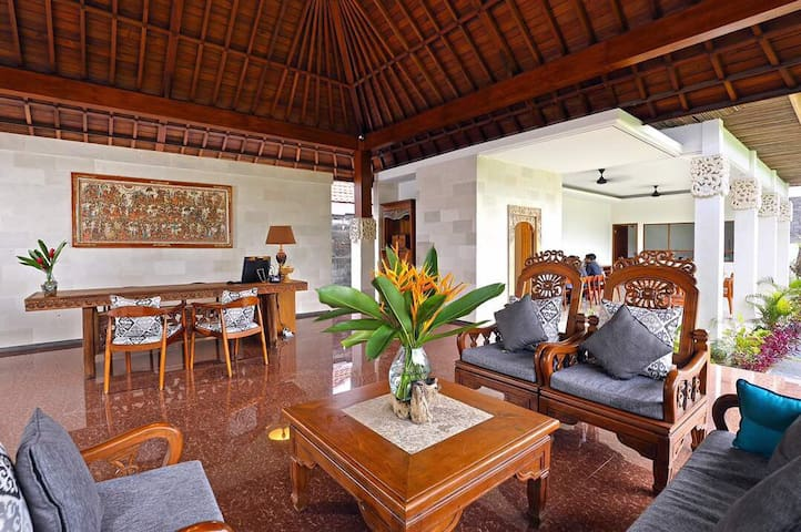 Cozy and Amazing suite in the heart of Denpasar