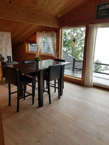 Apartment 900m from Liatoppen ski resort