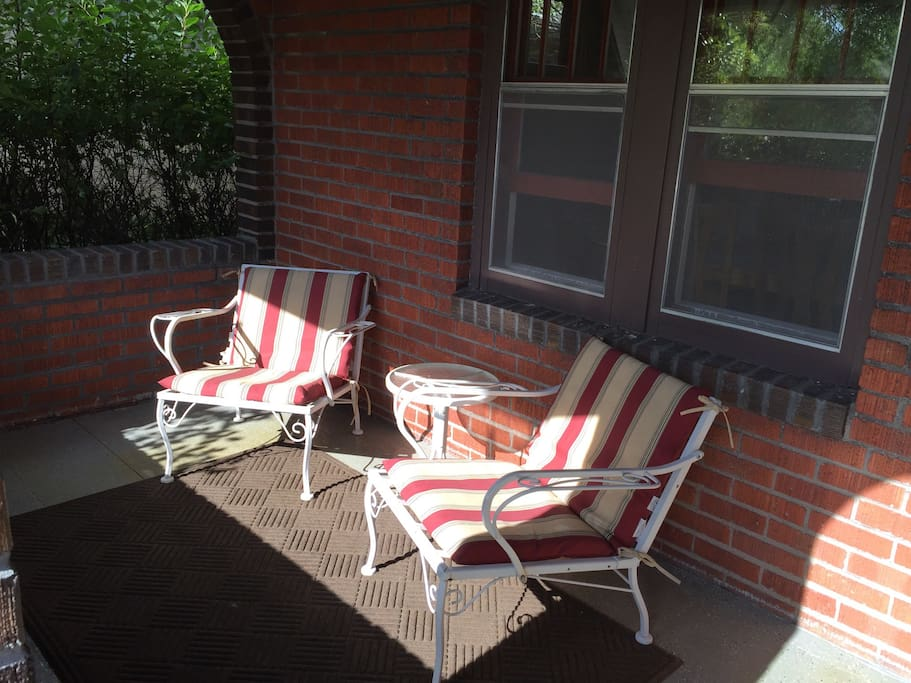 Inviting covered front porch, great place to wake up with a cup of coffee or enjoy a cool tea in the evening. Come, sit, and visit for a while!
