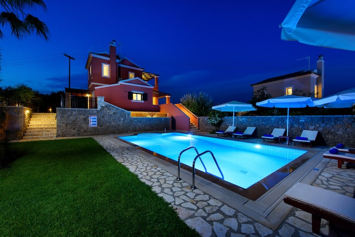 Rose Luxury Villa with Private Pool