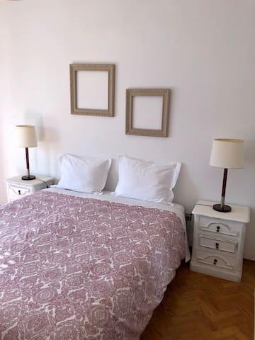 Quarto de casal 2 / Double bedroom 2