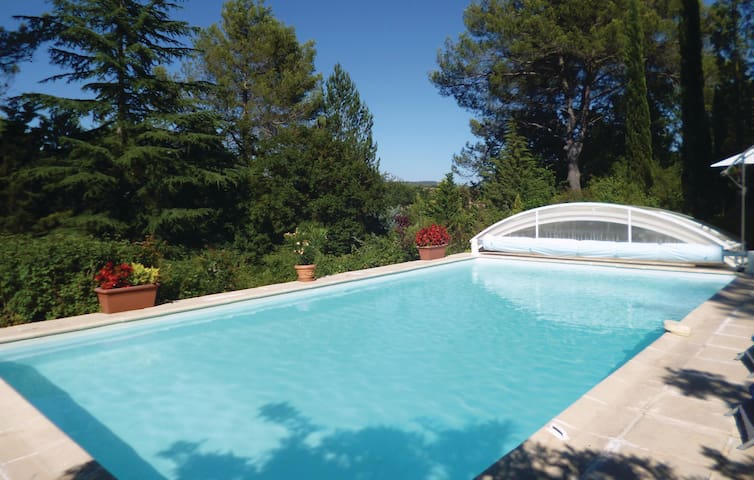 Holiday cottage with 5 bedrooms on 190 m² in Ponteves