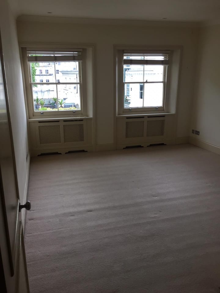 Single Room in South Kensington