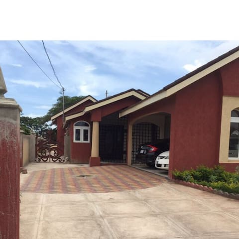 Lovely home in a gated community - New Harbour  - Casa
