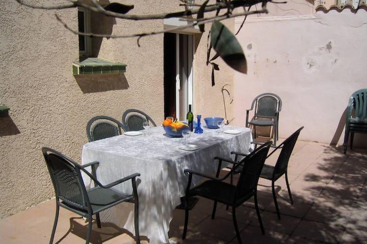 Charmerende villa tæt på stranden og promenaden - Canet-en-Roussillon - Villa