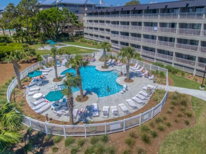 Year-Round Heated Oceanfront Pool!