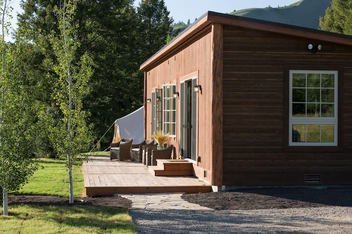 Snake River Sporting Club -  Sporting Cabin